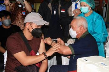 Antusiasme Masyarakat Tinggi, Isran Berharap Stok Vaksin Terus Ada
