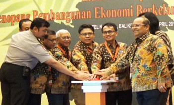 Borneo Forum II Solusi Perekonomian Kalimantan