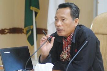 Hari Perkebunan Nasional 2013, Disbun Serahkan Penghargaan dan Bantuan Bibit