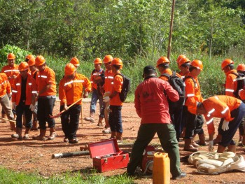 Pelatihan Pengendalian Kebakaran Lahan dan Kebun
